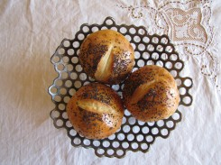 hole bowl with rolls