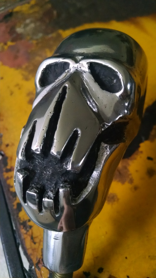 Mad Max skull gear shift handle
